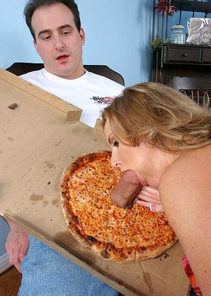 Bigsausagepizza Laura Monroe Look Blowjob Mobi