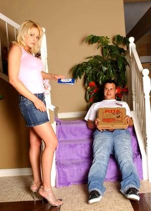 charlee chase big sausage pizza