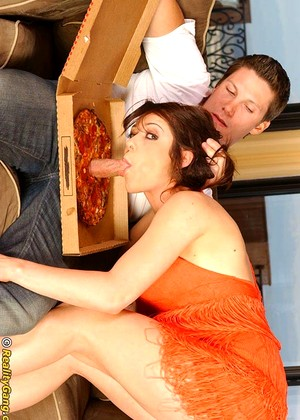 Bigsausagepizza Veronika Special Brunette Fucking Pussy Porn Life