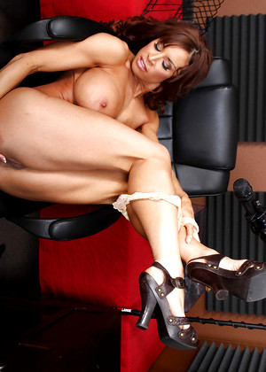 Bigtitsatwork Devon Michaels Erotic Big Tits Mobilepicture