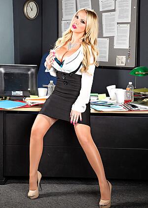 Nikki Benz 5