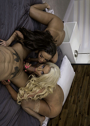 Brazzersnetwork Abigail Mac Nicolette Shea Xxxxn Bedroom Nubile