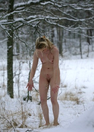Destiny Moody Ventures Into The Woodlands For A Chilly Yet Thrilling Display Of Naked Beauty