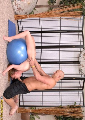 Contortionist Leighlani Red Notable Tits Xxxart