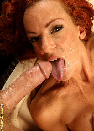 Contortionist Shannon Kelly Recommend Blowjob House