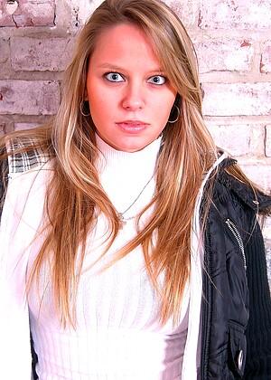Cassie jpg 14