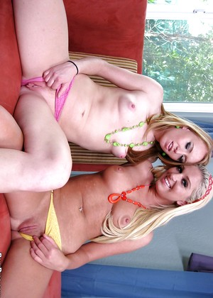 Mother daughter tricked threesome