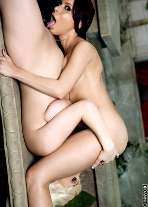 Danni Danni Model High End Lesbians Free Edition