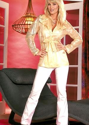 Danni Janine Lindemulder Features Milf Webcam Sex HD Pics
