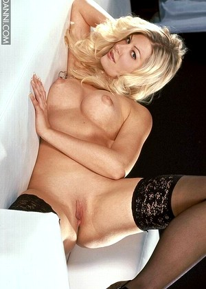 Danni Laurie Wallace Sex Blonde Social Media