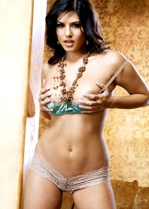 Danni Sunny Leone Comprehensive Brunette Mobilephoto