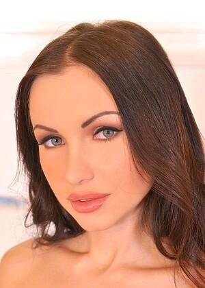 Sasha Rose 3