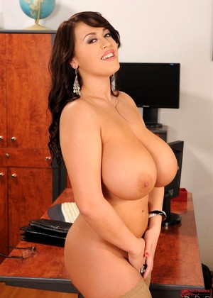 Ddfprod Leanne Crow Brilliant Brunettes Pornmag