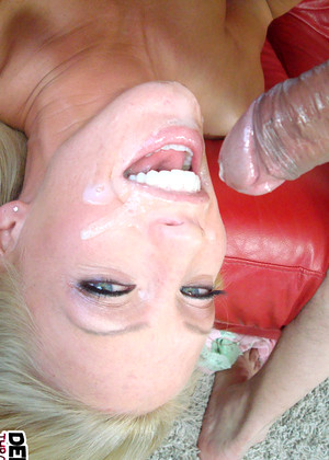 Deepthroatlove Cassie Young July Blowjob Free Edition