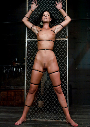Devicebondage India Summer Brooke Lee Adams Many Bondage Beauty