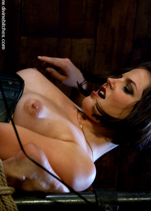 Divinebitches Mickey Mod Bobbi Starr Mega Bdsm Sex Mobile Paradise