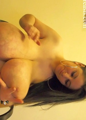 Divinebreasts Divinebreasts Model Typical Tits Porn Pov