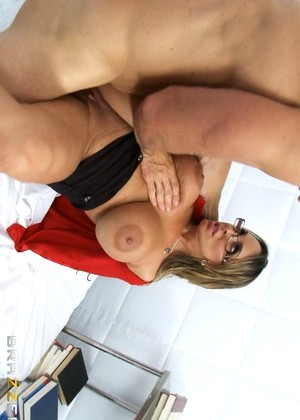 Doctoradventures Holly Halston High Grade Tits Victoria Secrets