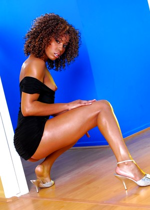 Doghousedigital Misty Stone Virgina Oiled Swallowsquirt