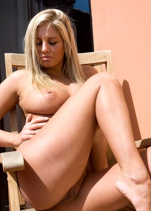 Femjoy Jenny Mcclain Comprehensive Outdoor Pornmate