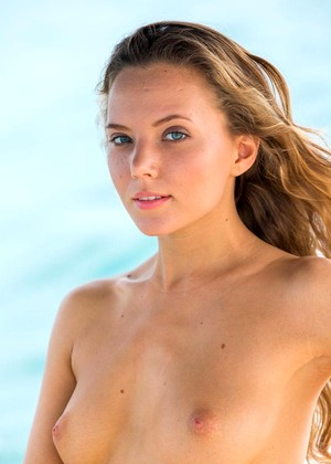 Katya Clover jpg 3