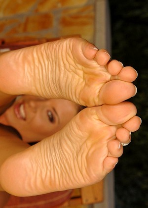 Footsiebabes Lora Craft Drity Fetish Sexhub
