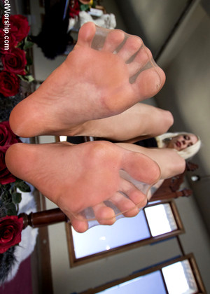 Footworship Lorelei Lee Tonight Leggy House