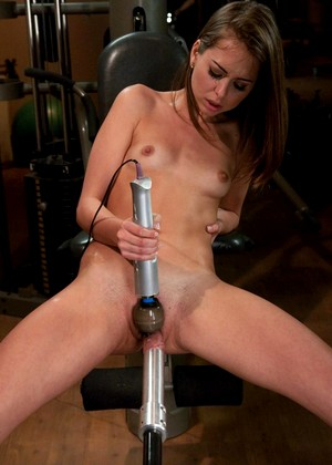 Fuckingmachines Riley Reid Autumn Robot Cock Liveshow
