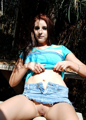 Gent Tabitha B Attractive Outdoor Avatar
