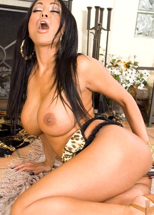 Glamourmodelsgonebad Priya Rai Casual Latina Discussion
