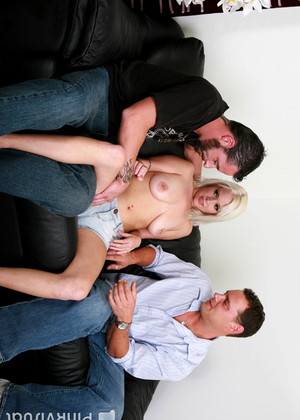 Herfirstdp Kissy Kapri Coolest Group Anal Action Show