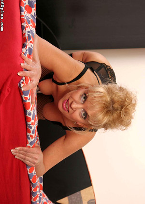 Hot60plus Hot60plus Model About Housewifes Package