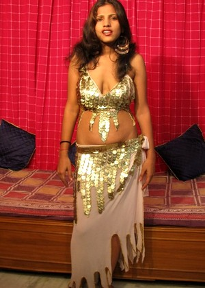 Indiauncovered Indiauncovered Model Friendly Desi Girl Master