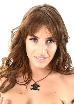 Silvia Dellai jpg 12