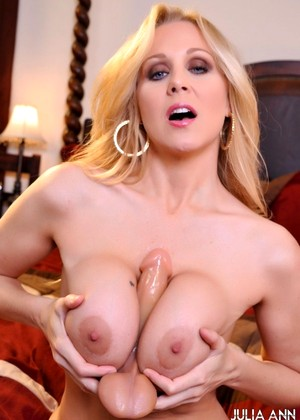 Juliaannlive Julia Ann Extra Lingerie Pussy Pics Community