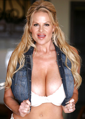 Kellymadison Kelly Madison High Quality Skirt Mobi Pics