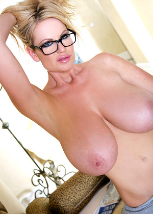 Kellymadison Kelly Madison Lucky Blondes Queen