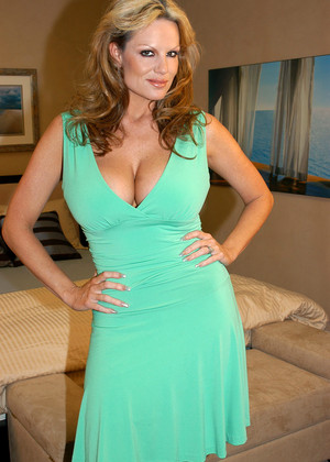 Kelly Madison jpg 1