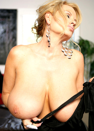 Kellymadison Kelly Madison Rated R Blondes Analytics