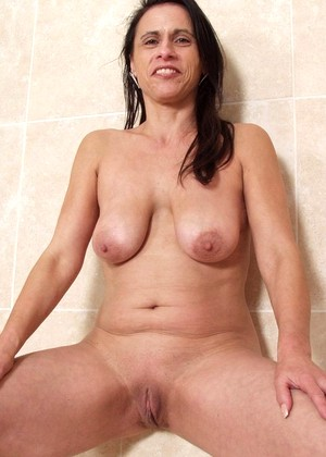 Kinkymaturesluts Kinkymaturesluts Model High Res Milf Beauty