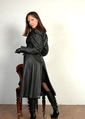 Ladiesinleathergloves Cindy Asslink Skirt Girl Nackt