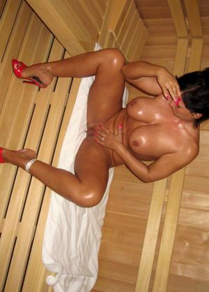 Nackt lady b Naked Babes
