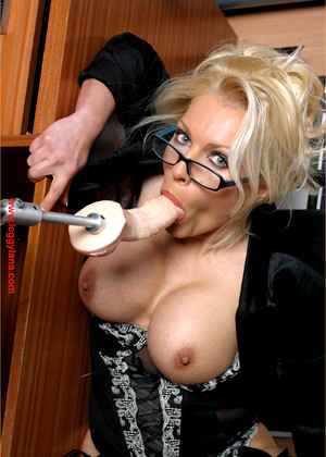 Leggylana Leggylana Model Typical Mature Vr Xxx