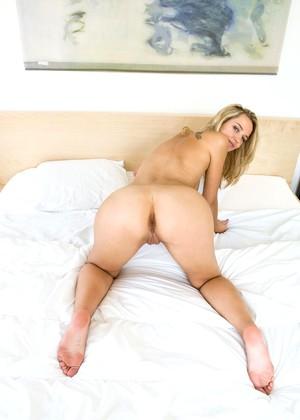 Anita Queen jpg 28