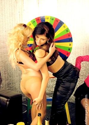 Madsexparty Madsexparty Model Sexist Babes Threesome Fucking Wifi Pictures