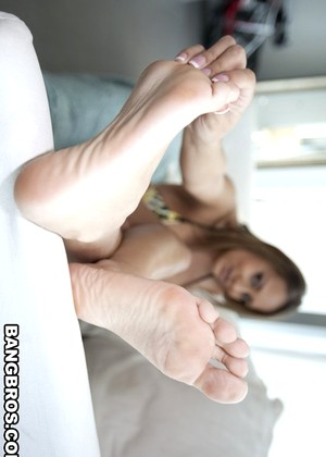 Magicalfeet Trina Michaels Secure Milf Feet Park