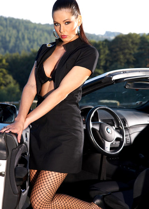 Metart Evelyn Lory Awesome Car Summary