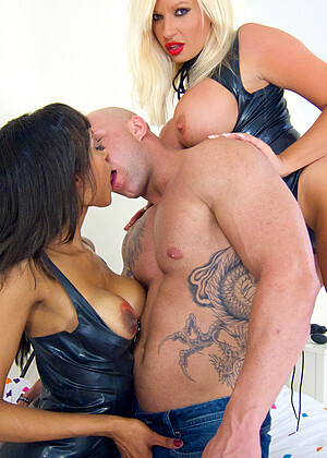 Michellethornexxxposed Michelle Thorne Alyssa Hunky Mason 35plus Clothed Ebony Feet