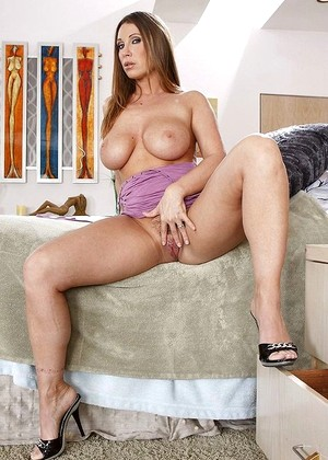 Milfslikeitblack Devon Lee Tons Of Mature Community