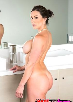 Kendra Lust Bath